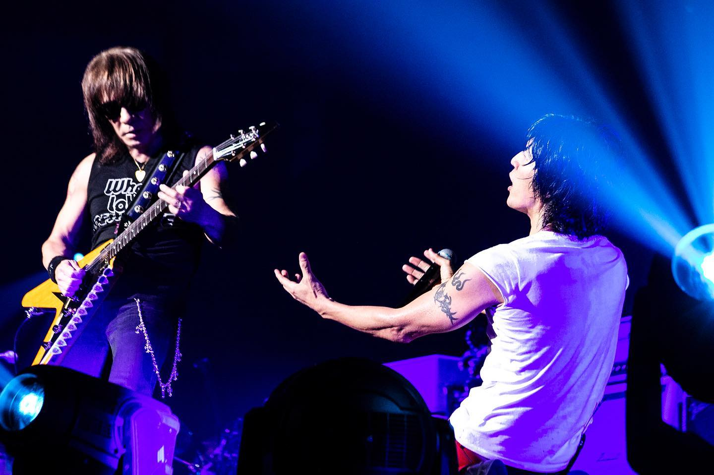 『B'z LIVE-GYM 2019 -Whole Lotta NEW LOVE-』のステージ写真