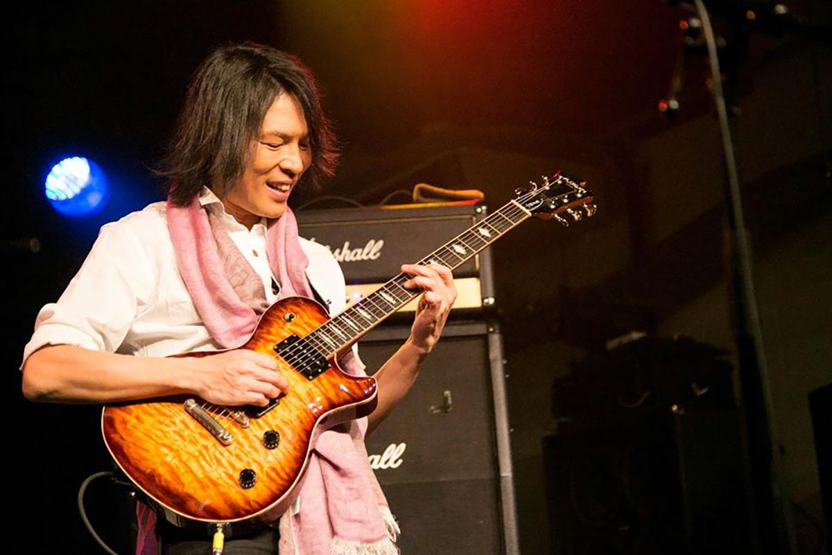 大賀好修(B'z元サポートギタリスト)