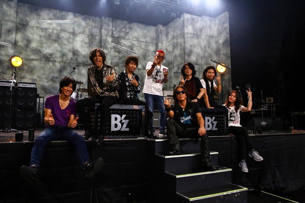 『B'z SHOWCASE 2020 -5 ERAS 8820-』のバンドメンバー集合写真
