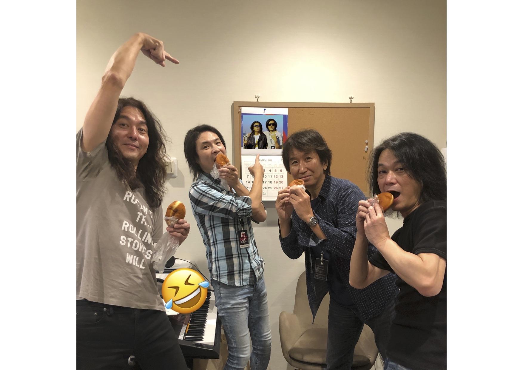 増田隆宣が投稿したB'z「Day4」のバンドメンバー写真