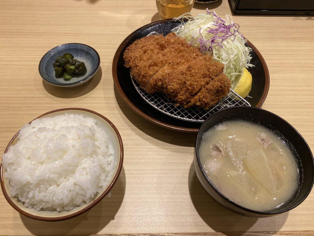 とんかつ檍 羽田イノベーションシティ店の上ロースかつ定食