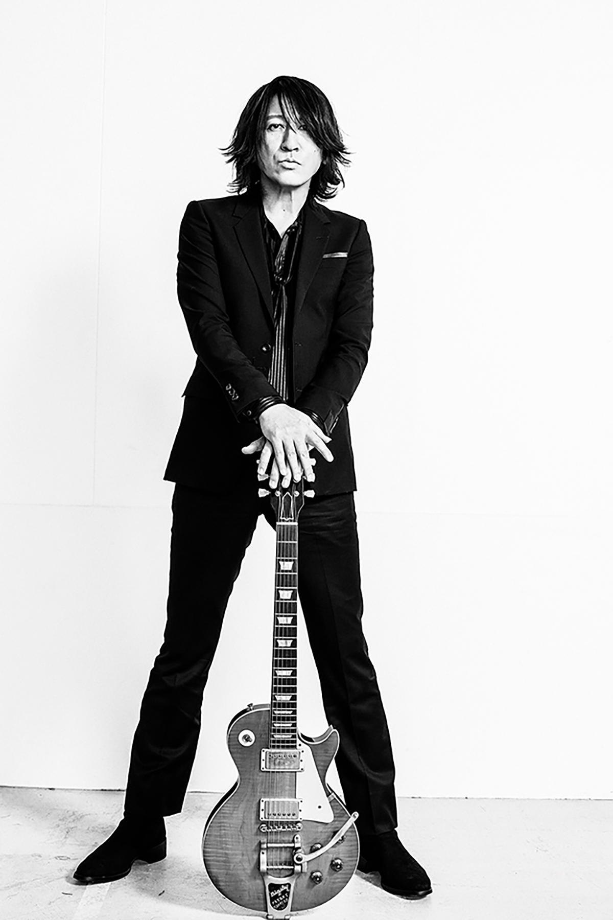 B'z松本孝弘と親交があるGLAYのギタリスト・TAKUROの画像