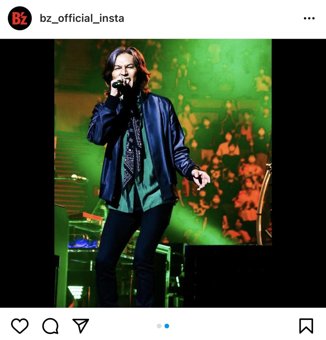 B'z公式Instagramに投稿された『B'z presents UNITE #01』大阪公演のステージ写真(ヴォーカル・稲葉浩志)